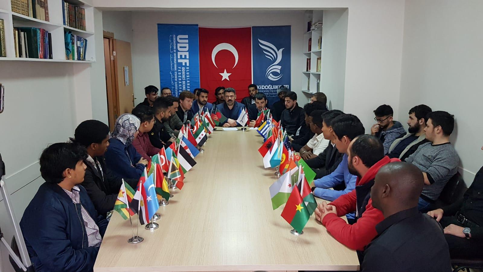 Konya'da Okuyan Uluslararası Öğrenciler Türkiye İçin Tek Yürek