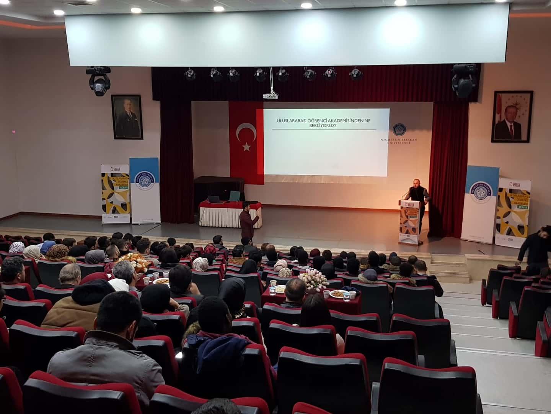 Uluslararası Öğrenci Akademisi'nde İlk Ders Yapıldı