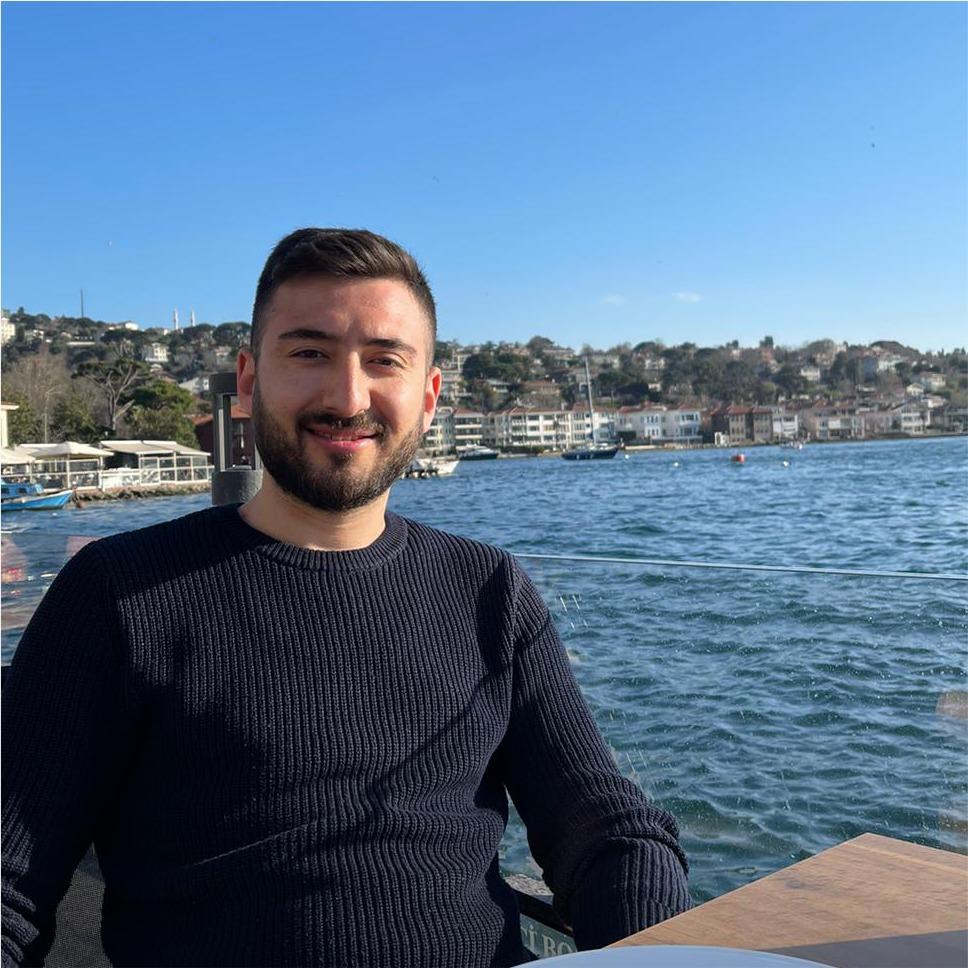 Mustafa AK - Yönetim Kurulu Üyesi