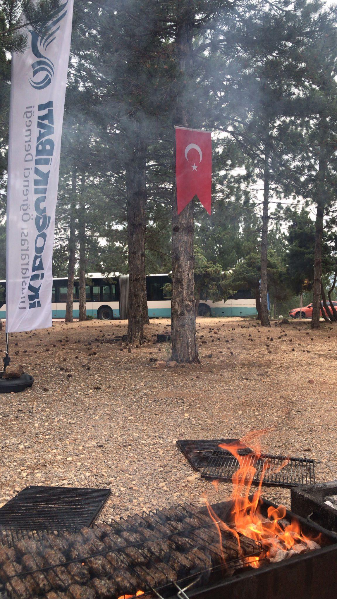 İki Doğu İki Batı ülke ve Bölge Temsilcilerini Piknikte Buluşturdu